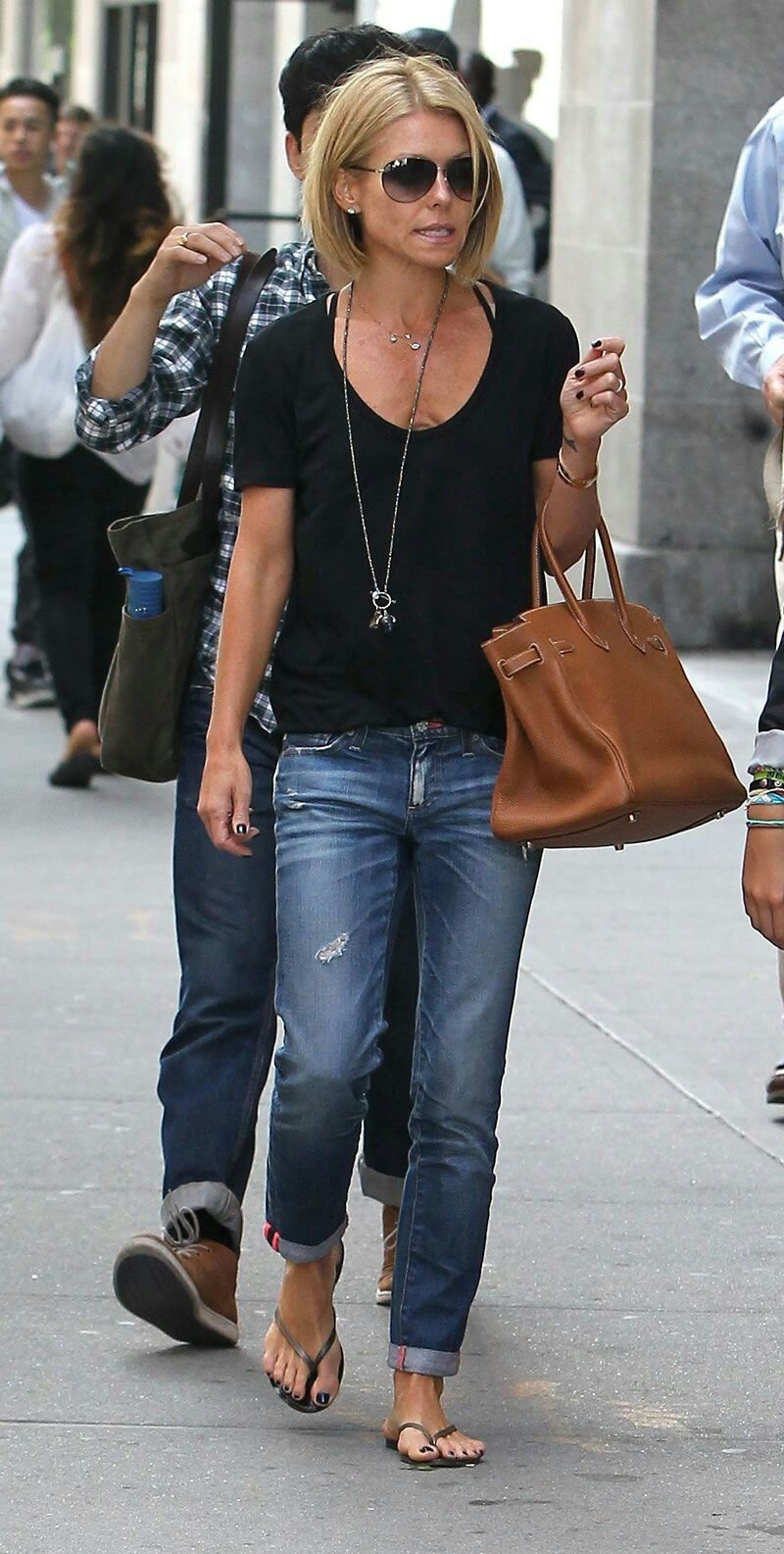 Pin by Linda LaPlante on Style Clothes | Pinterest | Kelly ripa ...