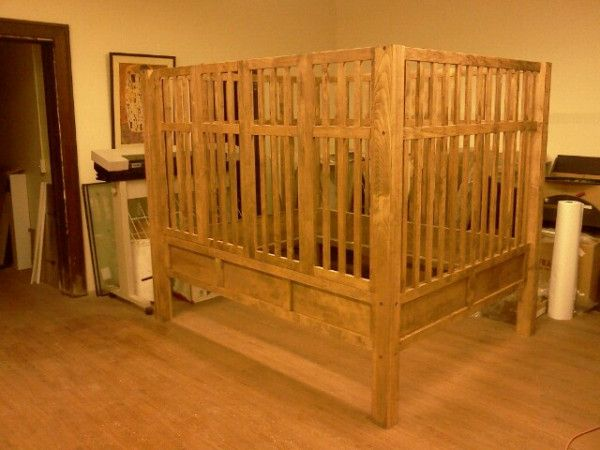 Also From Thrashbear Heres A Kayserbetten ABDL Maple Crib Named For An European Business Dealing With Disabled Kids And Adults Alike Thankfully Im Not