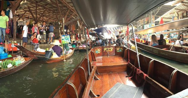 Gustie takes the Floating Market in Bangkok, Thailand! Amazing to experience how other countries disrupt retail #disruptiveretail #floatingmarket #bangkok #thailand #experience