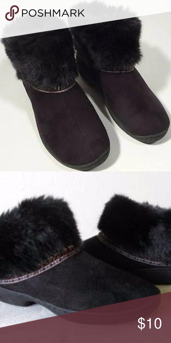 0a70d1ea819 Black Faux Fur Slippers Never worn