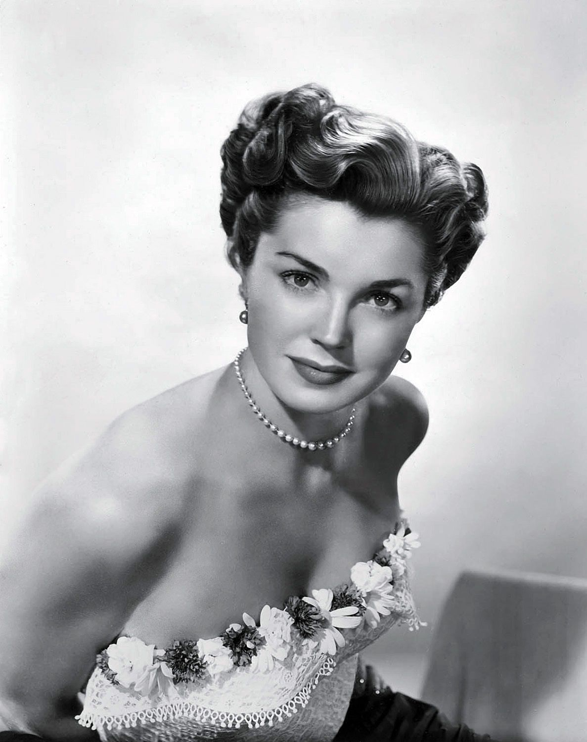 Watch Esther Williams video