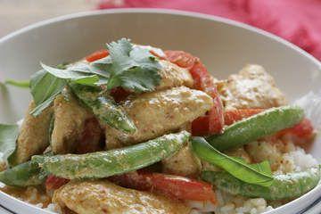 Quick chicken stir fry w sugar snap peas capsicum jf poultry quick chicken stir fry w sugar snap peas capsicum forumfinder Gallery