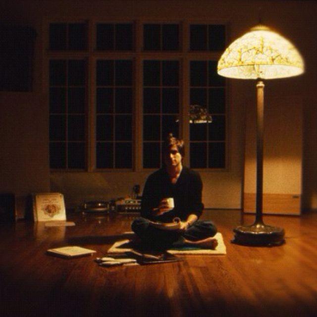 Steve Jobs In His Living Room 1982 Steve Jobs Meditation Job