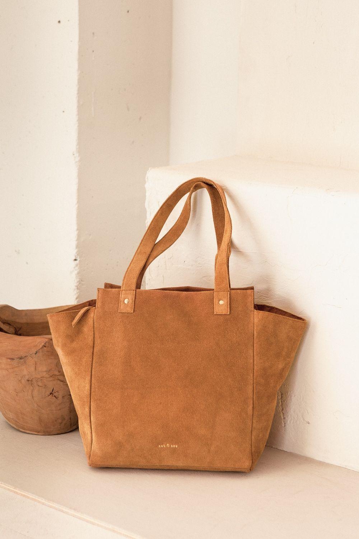 a2754d796 bolso grande de ante color camel   bags   Bolsos, Bolsos grandes y ...