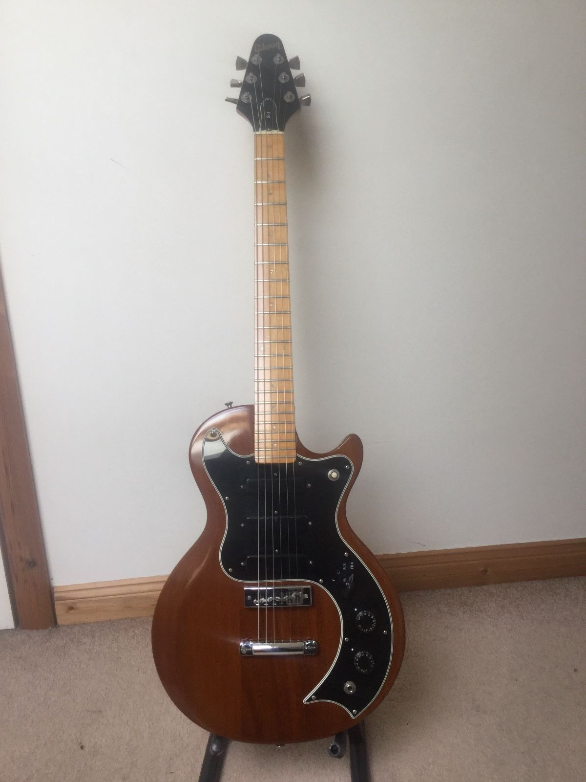 medium resolution of gibson s1 electric guitar