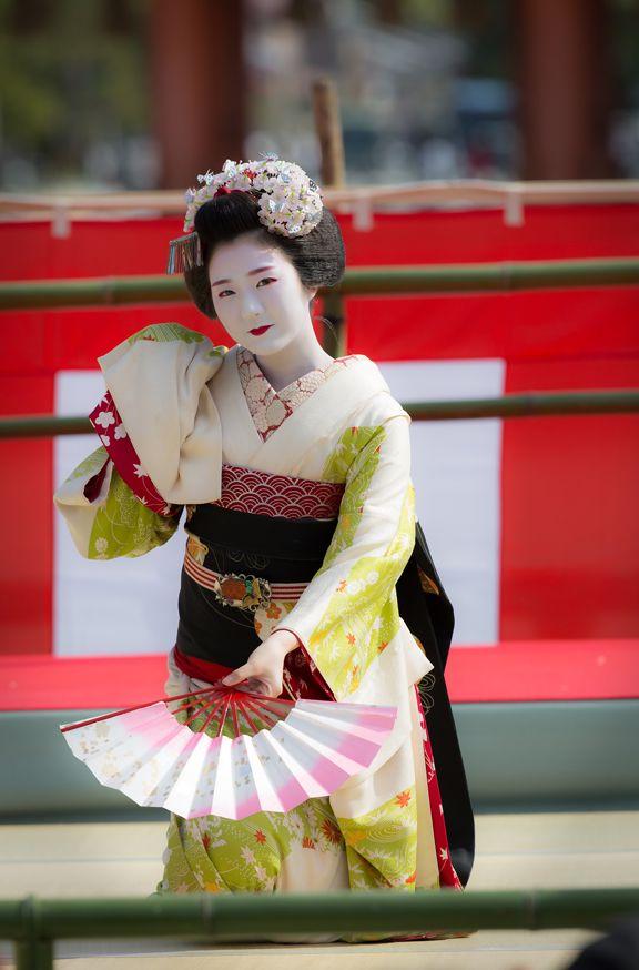 Hinayuu during Reitasai Hono Buyo Matsuri