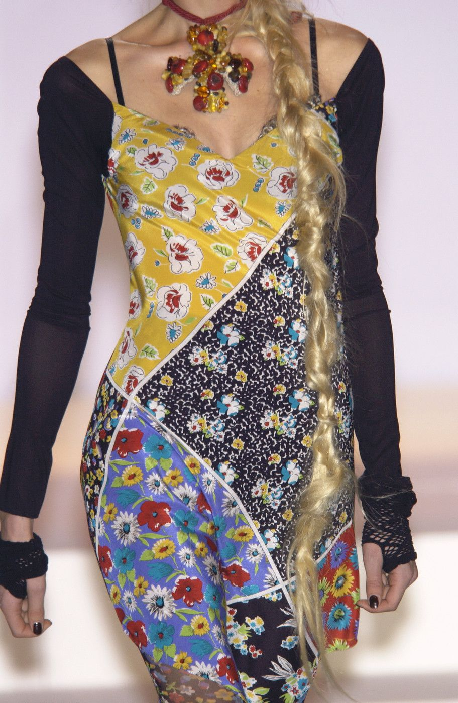 Photo of Mariella Burani på Milan Fashion Week våren 2004