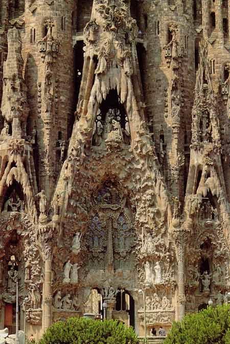 Pope benedict to consecrate barcelona 39 s sagrada familia for Kathedrale barcelona gaudi