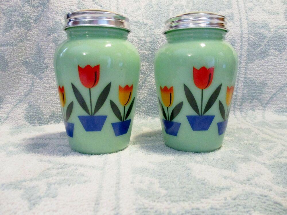 Jadite Jadeite Jade Dutch Tulips Salt /& Pepper Shaker