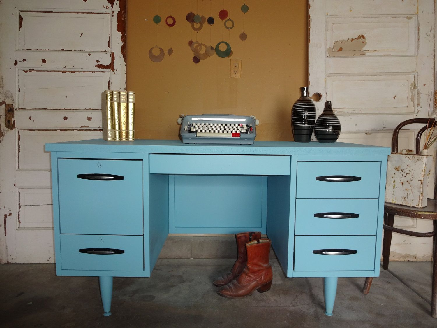 HOW MUCH DO I LOVE THIS DESK???!!!! | Mid century desk ...
