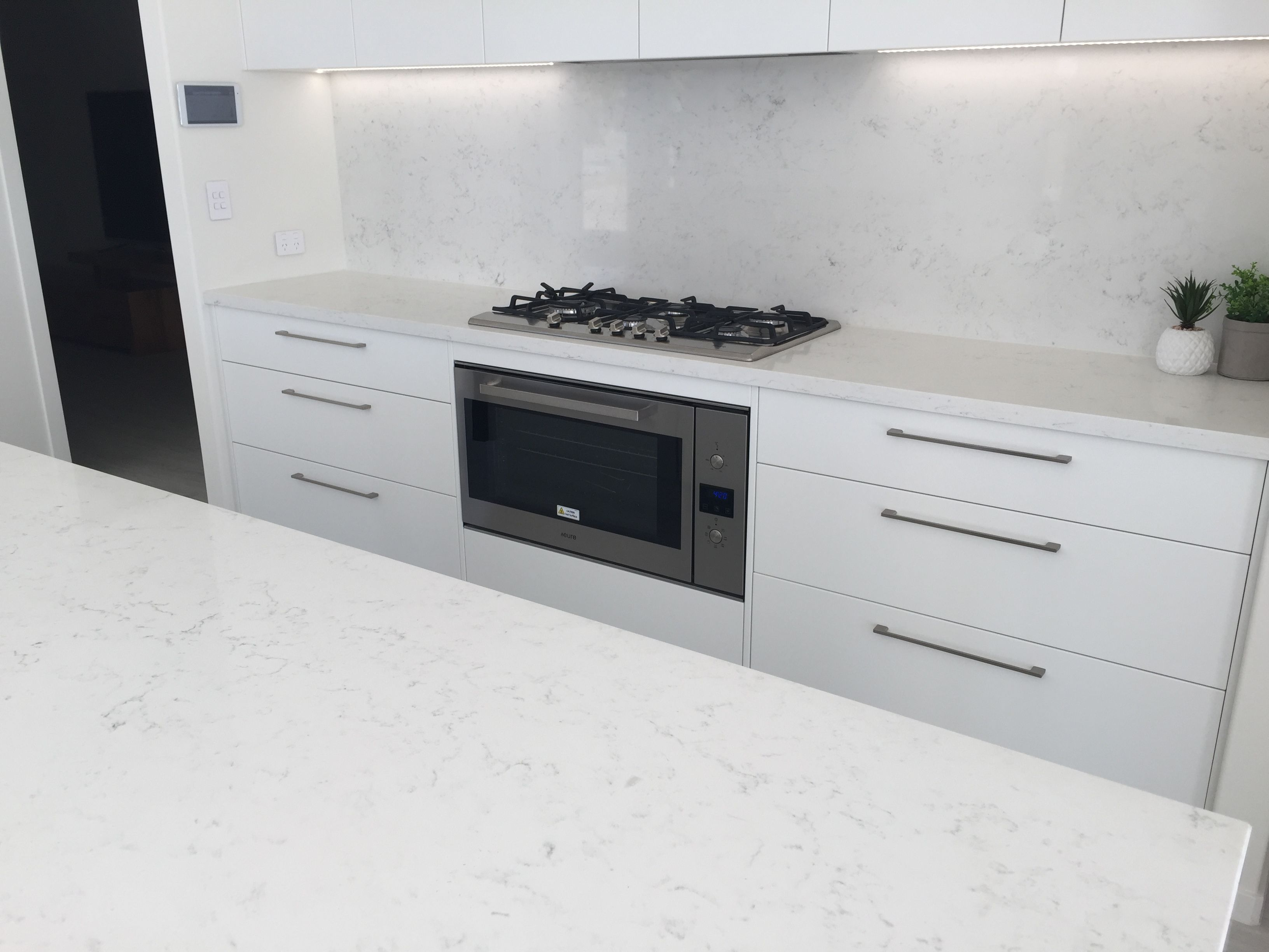 Smartstone Amara Used As Bench Top And Back Splash Cabinetry In