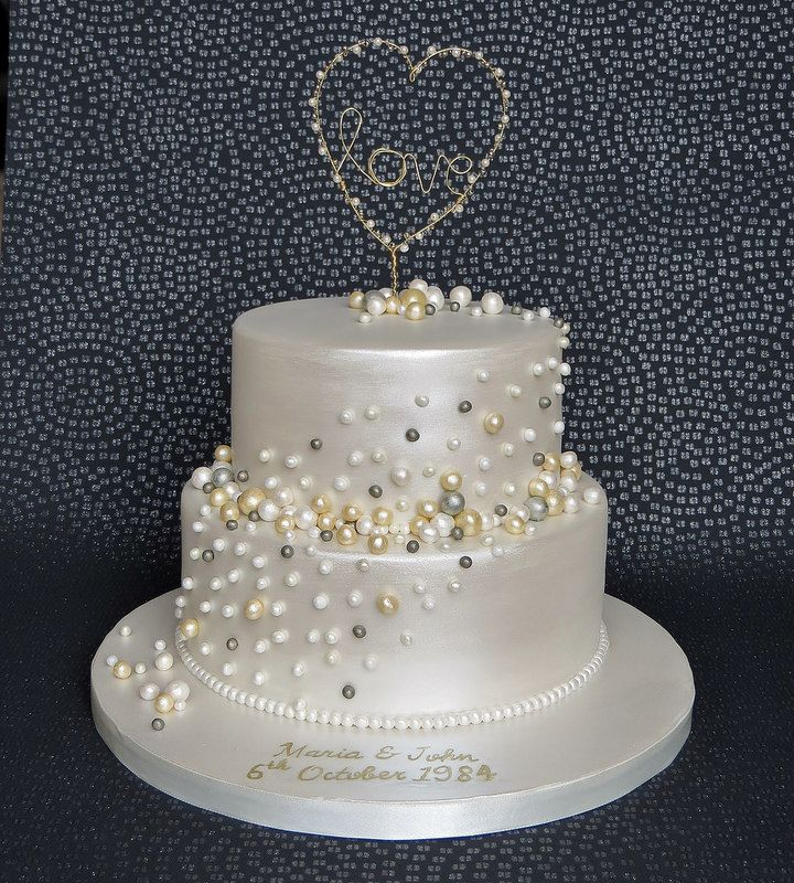 Pearl Anniversary Cake With Handmade Gold And Pearl Love Heart Cake Topper 30t 30th Wedding Anniversary Cake Pearl Anniversary Wedding Anniversary Decorations