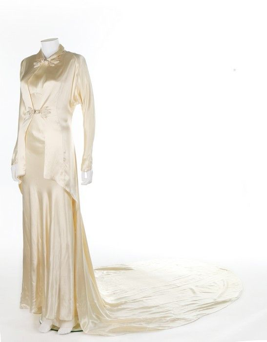 1930s oyster bias cut satin gown | Vintage Style 1930\'s | Pinterest ...