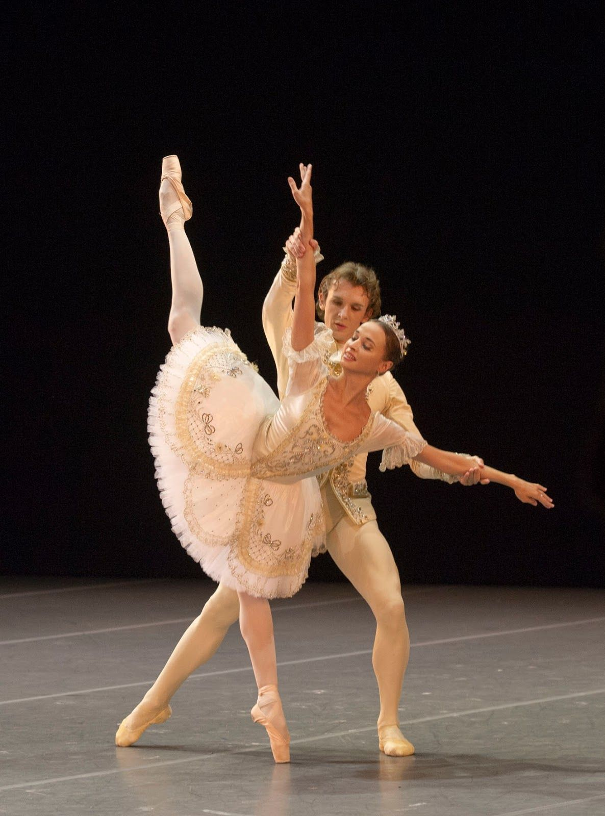 Pas De Deux Ballet dance, Dance art, Ballet beautiful