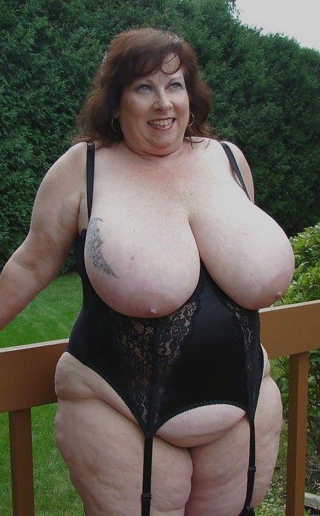 Plump wife nude photos
