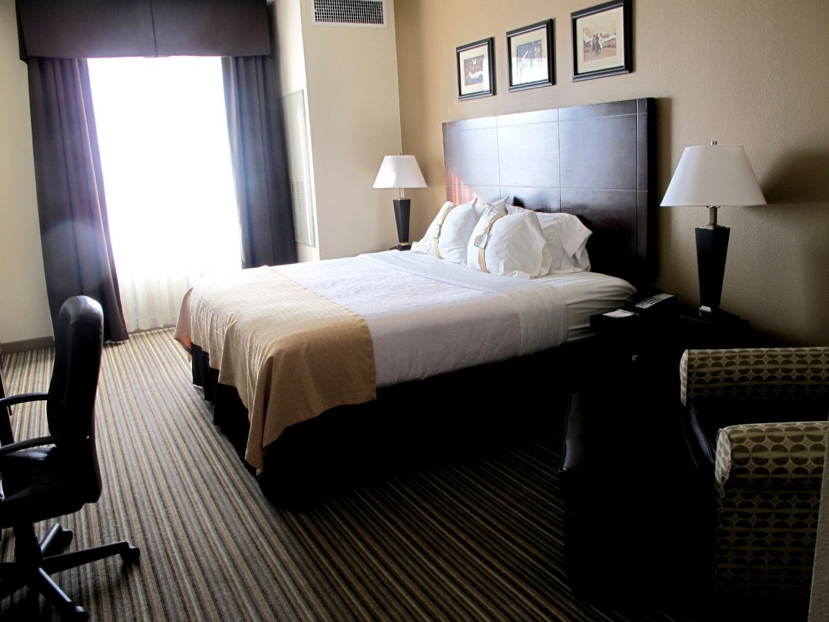 How To Check Your Hotel Room For Bed Bugs Before You Start