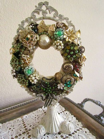 jewelry wreath great way to display you grandmothers vintage pins/earrings/necklace