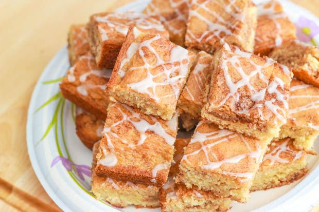 Sally's Baking Addiction- Snickerdoodle White Chocolate Blondies