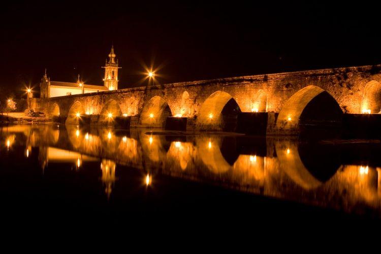 REFLEXO SECULAR (Ponte Lima) | Fotografia de Duarte vieira martins | Olhares.com