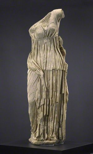 Modern Antiquity Objects And Fragments Getty Villa Exhibitions Hellenistic Sculpture Classical Antiquity Roman Clothes