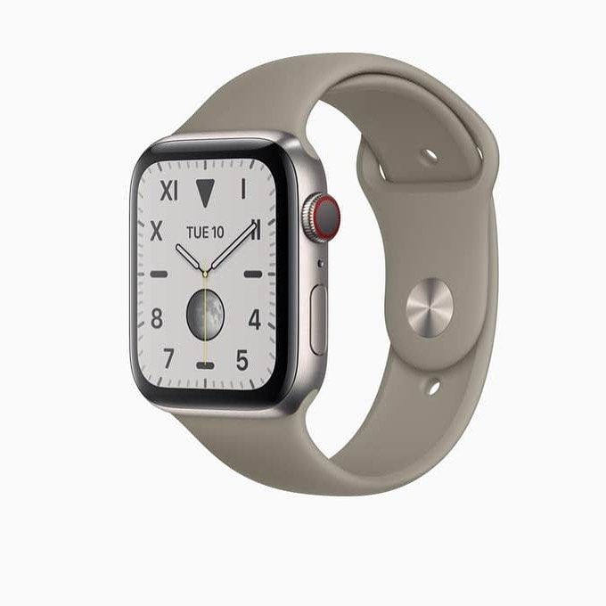 Apple Watch Series 5 by 📷 @apple  #smartwatch #watches #watchesofinstagram #apple #applewatch #fitne...