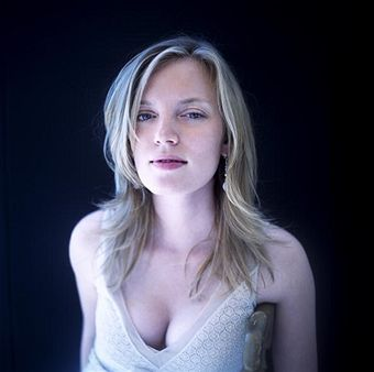 sarah polley sexy pic