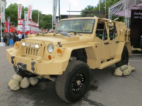 Brits Militarize Jeep Wrangler For Spec Ops Duty Jeep Jeep Truck