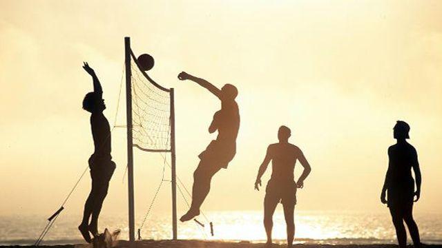 Wer Hat S Erfunden Beachvolleyball Beach Photography Friends Sports Pictures Beach Volleyball