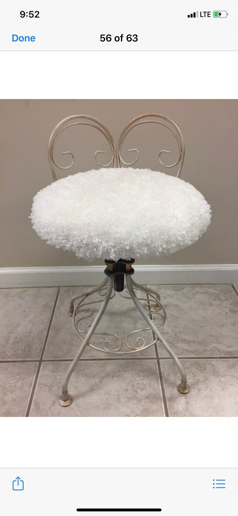 Vintage Vanity Stool Seat Chair Adjustable Swivel Faux Fur White Gold Hollywood Regency Metal Distressed In 2020 Vanity Stool Vintage Vanity White Faux Fur