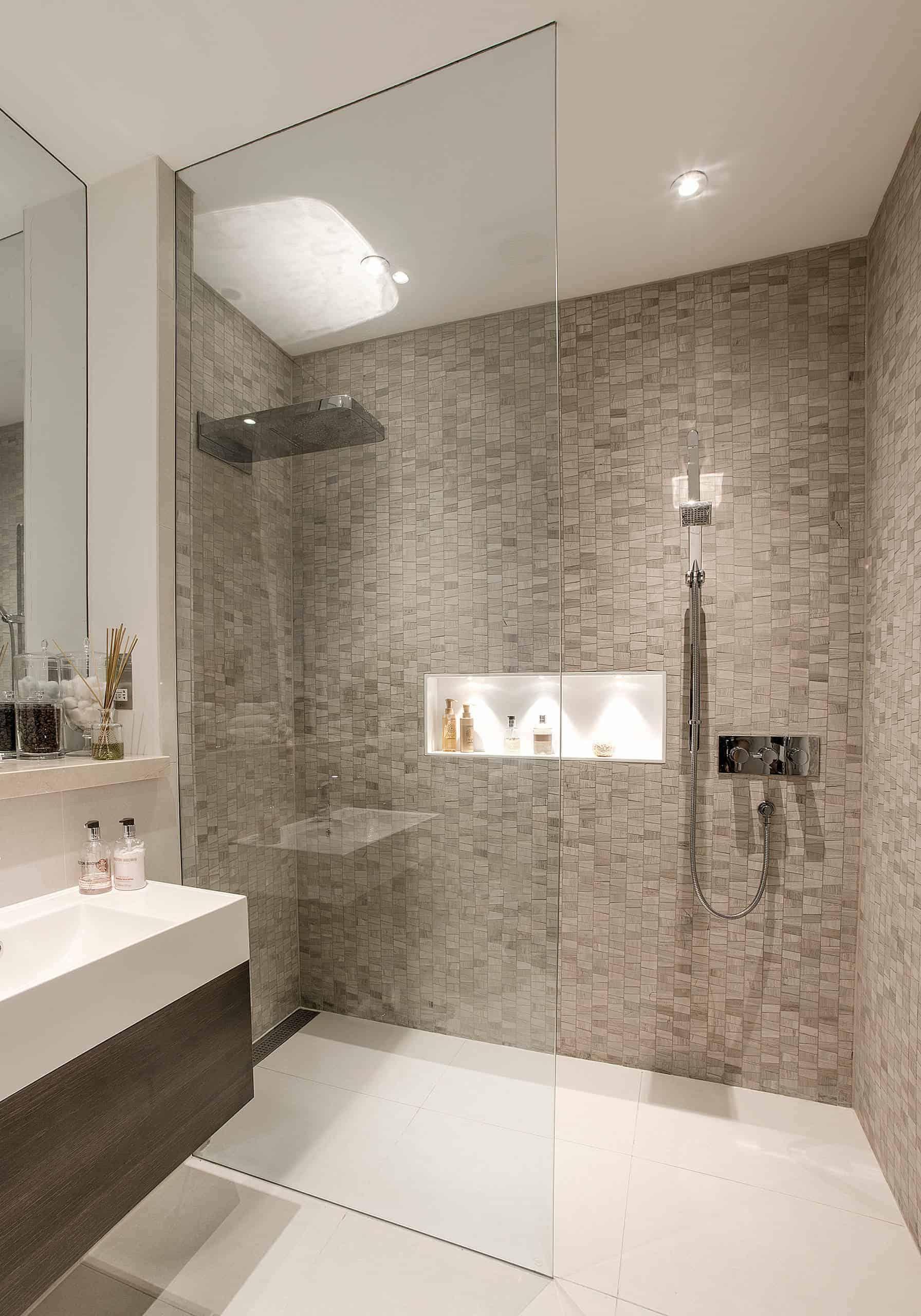 36 Doorless Walk In Shower Ideas And Designs 2020 Edition Small Bathroom Renovations Bathroom Shower Design Modern Bathroom