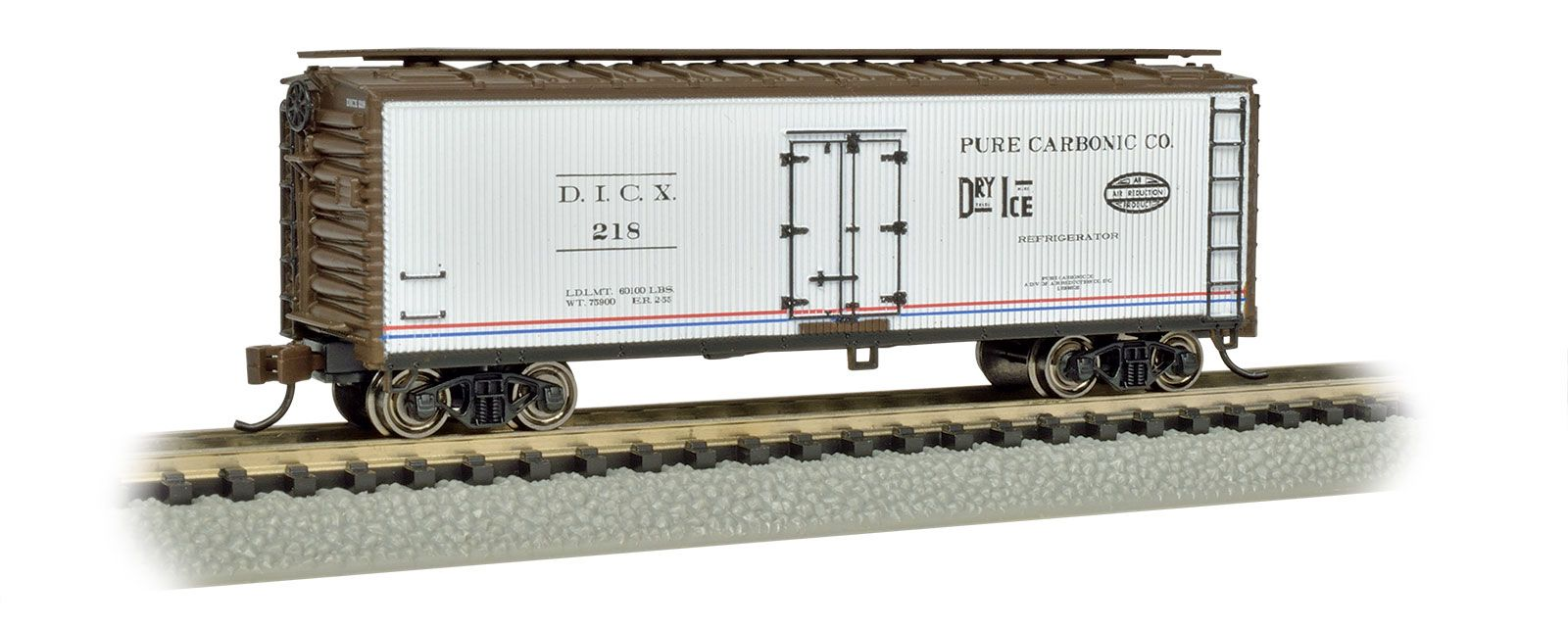 bac0d16d55d5 Bachmann HO Scale Old-Time Baggage Car with Rounded-End Clerestory ...