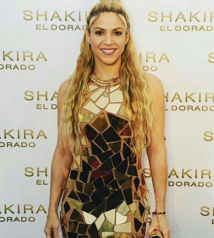 Pin by VL67 on Shakira | Shakira, El dorado, Gold dress
