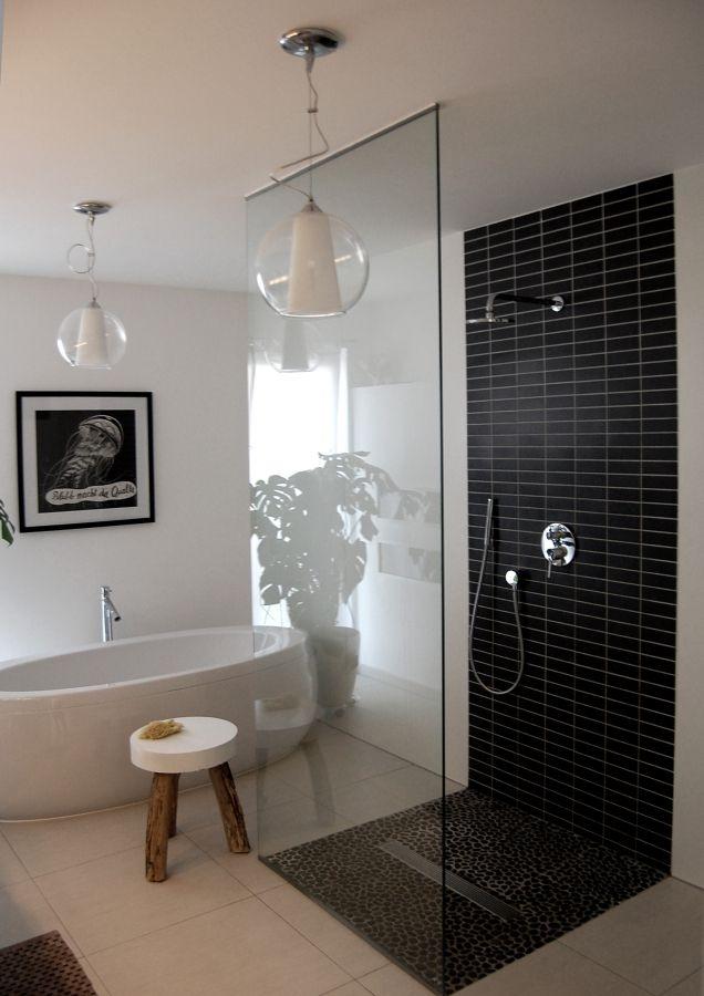 Fliesen decor badezimmer baden und bad for Fliesen tapete badezimmer