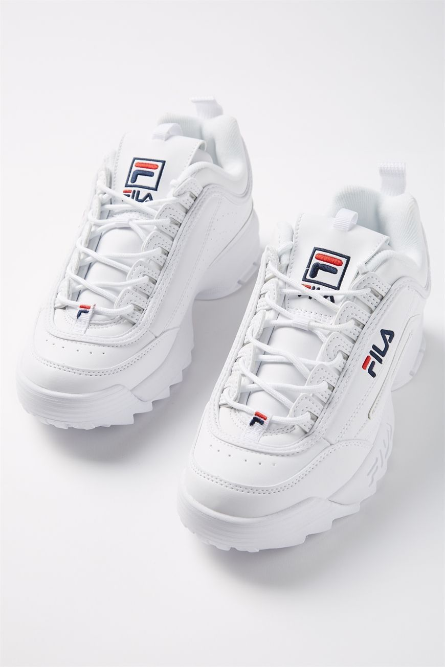 Pin on White Fila Sneakers Outfit