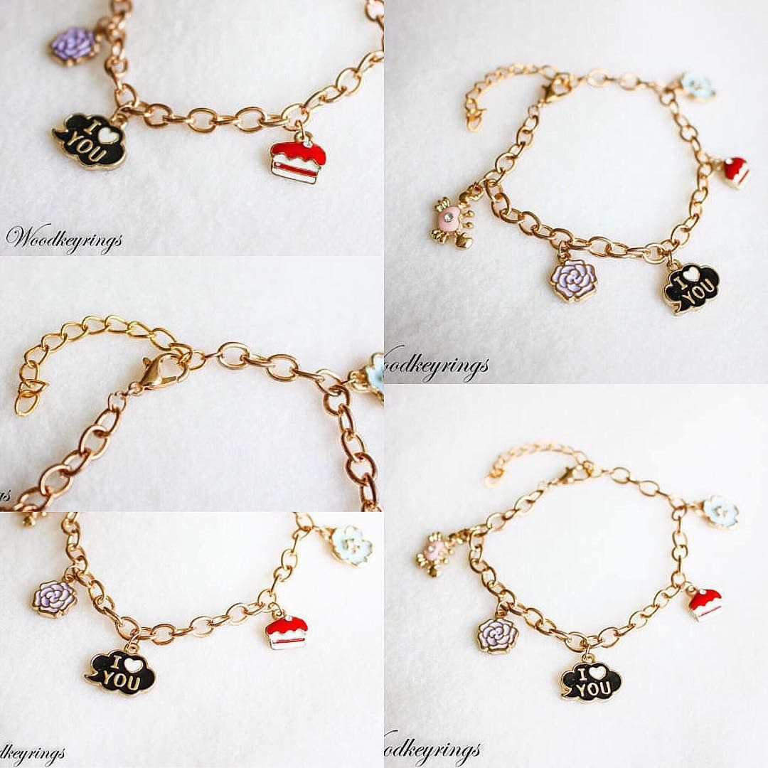 Handmade gold chain bracelet with five pendants bracelets come with