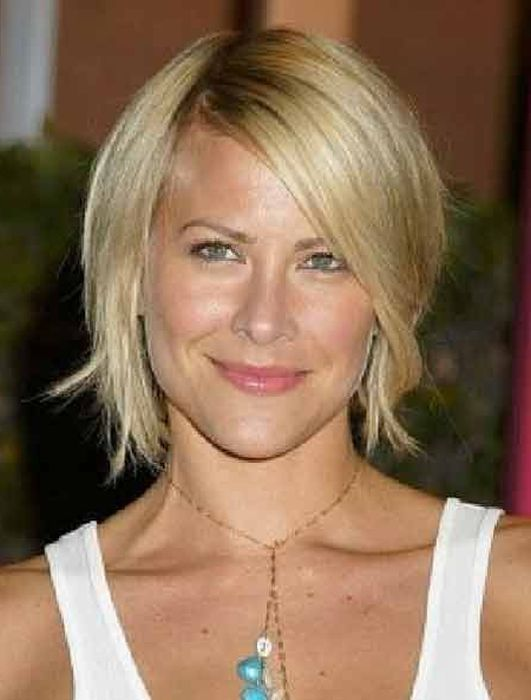 Haircuts For Thick Straight Hair Over 50 : Short hairstyles for thick straight hair women