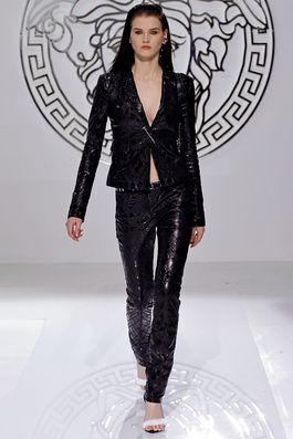 Versace Fall 2013 Ready-to-Wear Fashion Show: Complete Collection - Style.com