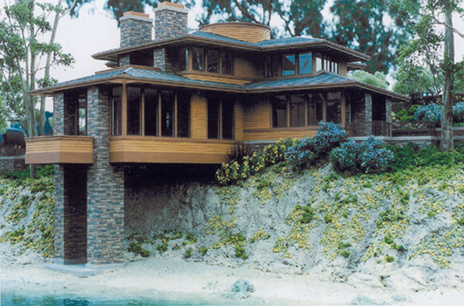 Frank Lloyd Wright Style House This I Love This Exterior Windows & Siding = Yes Stone..not