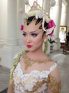 Vannesza Make Up Artist Bandung Wedding Make Up Paes Ageng Yogya Gaun Pengantin