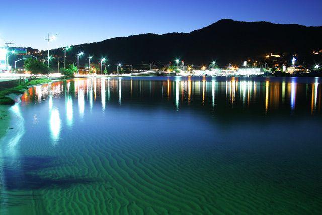 Lagoa da Conceição a noite.