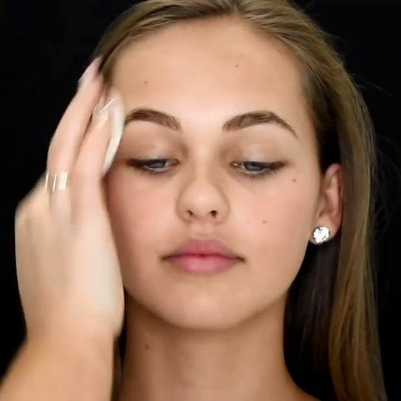 8 tips de maquillaje para mujeres con poros abiert