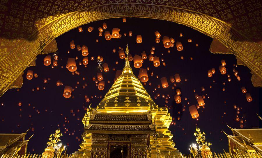 Doi suthep, golden pagoda and yeepeng in new year celebration festival.