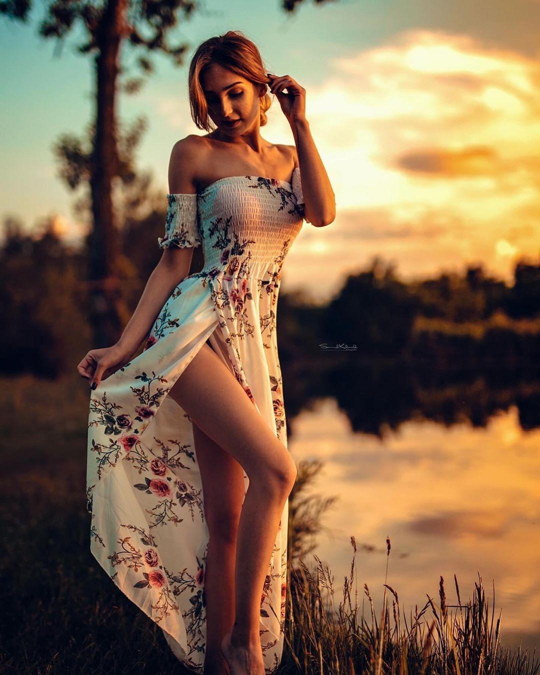 """Klaudia on Instagram: """"sunset... 🌅☀️📸💋  ⠀  #sunset #photoshoot #style #photooftheday #session #me #polishgirl #girl #blonde #blondegirl #instagirl #instaphoto…"""""""