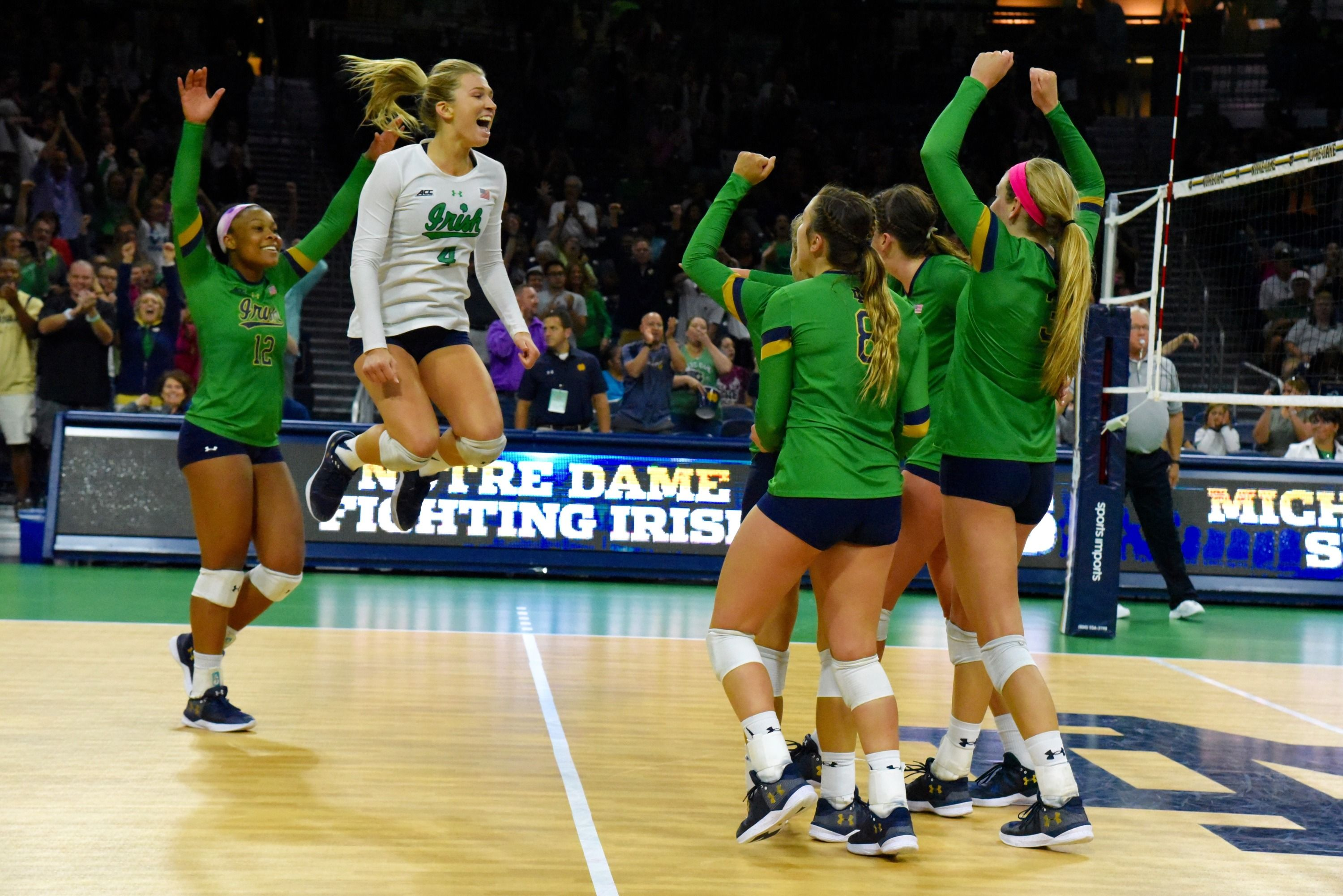 Five Favorite Photos Of 2017 Volleyball In 2020 Volleyball Notre Dame University Womens Soccer