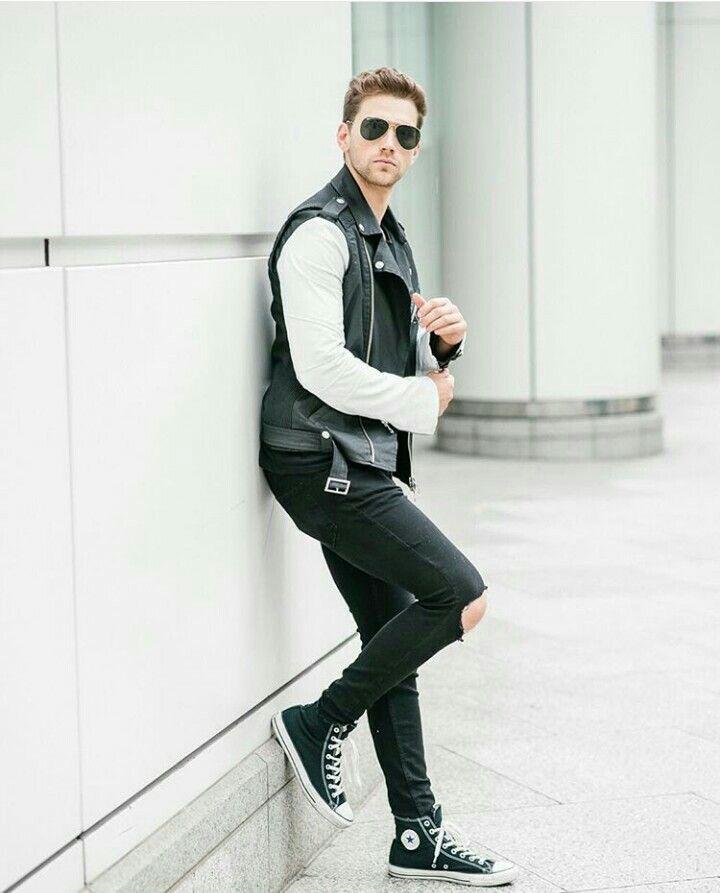 Moda masculina, all star, calça rasgada, look masculino ...
