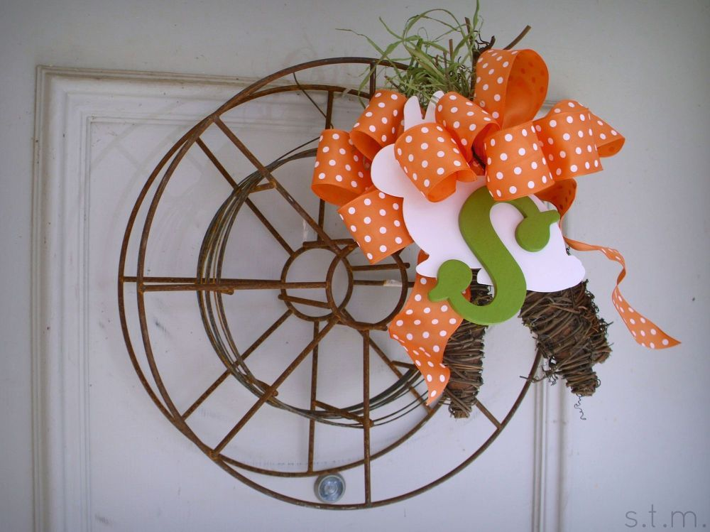 31 Gorgeous Spring Wreaths That Will Make Your Neighbors Smile