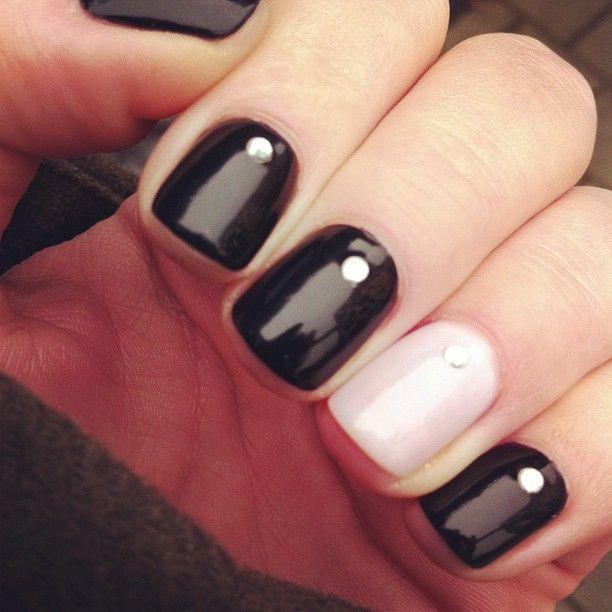 #nails #nail #manicure #nagellack #blacknailpolish #nailpolish #diamond #diamant :)