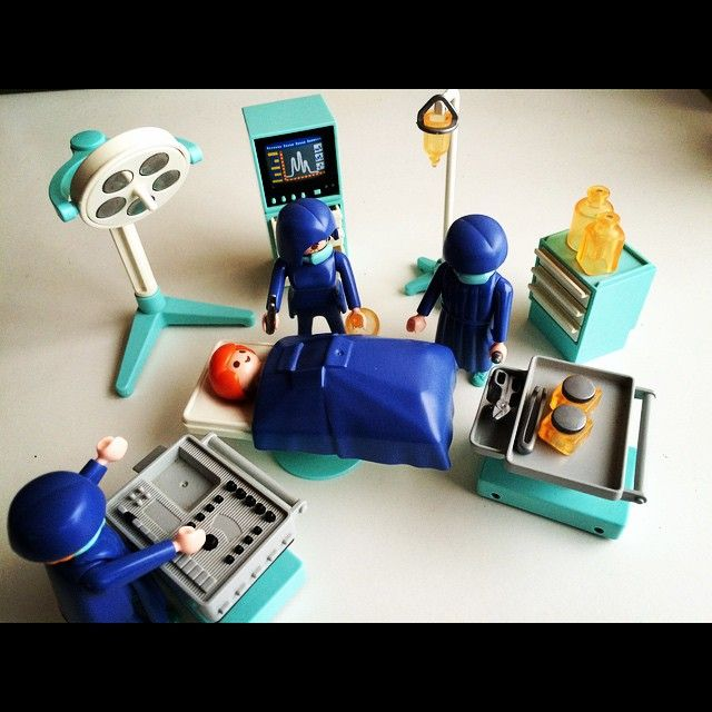 Playmobil Slaapkamer Van De Ouders 5331.台風ですがオペ開始します オペ おもちゃ Playmobil 遊び 台風でどこも
