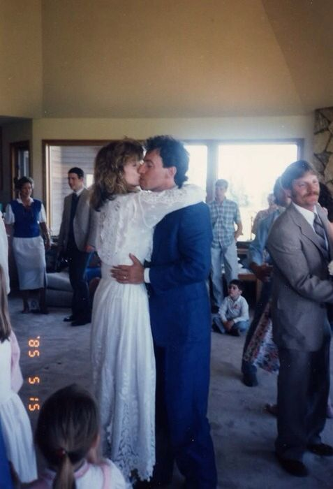 Julianne Phillips And Bruce Springsteen Wedding 1985 Bruce Springsteen Bruce Springsteen The Boss Celebrity Wedding Photos