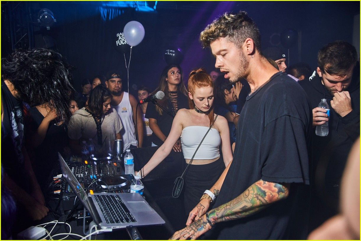 f7843356398c1 madelaine petsch travis mills couple up at emo nite 03